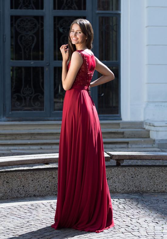 Janelle Red